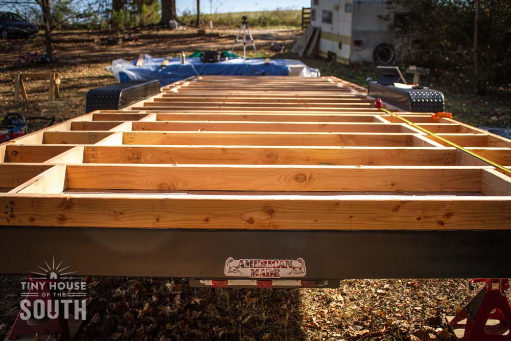 Tiny-House-The-South-Subfloor-Flashing-Attaching-0006